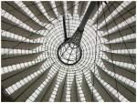 neuere Bauwerke/1410/zeltdachkonstruktion-des-sony-centers-am-potsdamerplatz Zeltdachkonstruktion des Sony Centers am Potsdamerplatz in Berlin. (07/2005)